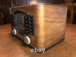 1930s Zenith Large Tabletop Radio model 7S633 with Automatic Tuning NO RESERVE