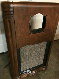 1936 Zenith 10S153 Black Dial Console Radio Cabinet