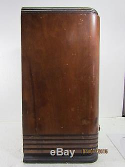 1936 Zenith 5-S-127 Tombstone Tube Radio Beautiful