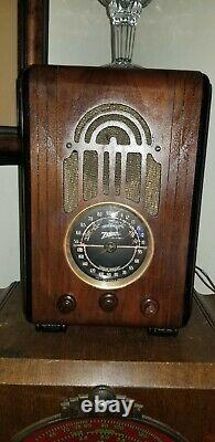 1936 Zenith Model 5-S-228 tube radio. Works well