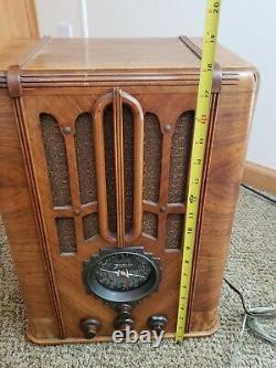 1936 Zenith Model 5-S-29 three band wood tube radio. Restored and works well