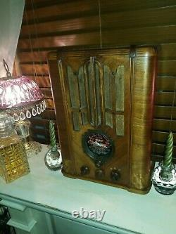 1936 Zenith Model 5-S-29 three band wood tube radio. Serviced and works well