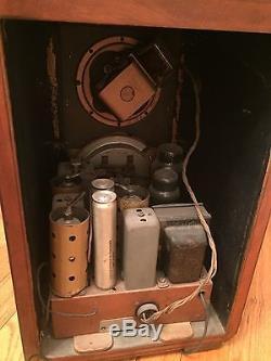1937 Gorgeous Zenith Black Dial Tombstone Radio