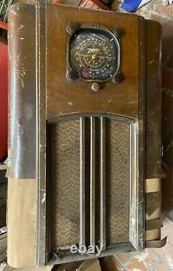 1937 ZENITH Black dial console radio 6S152 75 watts