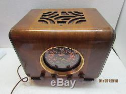 1937 Zenith 6-S-222 Cube Tube Radio Beautiful