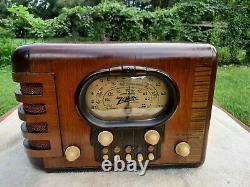 1938 ZENITH Tube Radio Model 5S319, Beautiful Wood Cabinet EXTREMELY NICE