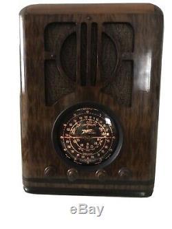 1938 Zenith Tombstone Radio