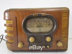 1939 Zenith 5S319 Wooden Tabletop Tube Radio Beautiful