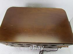 1940 Zenith ch-5678 Wood Tabletop Tube Radio Beautiful