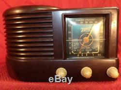 1941 ZENITH TABLETOP TUBE RADIO MODEL #512