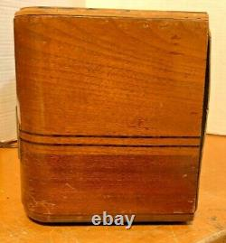 1942 ZENITH 6-D-630 Walnut & Mahagony Case AM Tube Radio Works