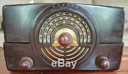 1948 ZENITH Table Top Model 7H820 AM-FM Tube Radio Working
