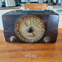 1950 Zenith Bakelite Tube Radio AM/FM G725 nice audio & tuner rare no handle