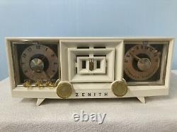 1954 Zenith Tube Radio With Bluetooth Input