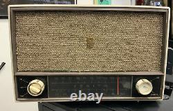 1959 Zenith Model C724P AM/FM Tube Radio Super Caroline Working Old Vintage