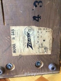 ANTIQUE VINTAGE WOOD 1960's ZENITH H845 AM FM TUBE RADIO WORKS GREAT