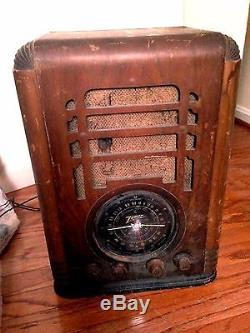 Antique 1930s Zenith Tombstone Radio Model 5S127 For Parts or Repair