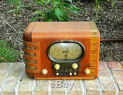 Antique 1939 Zenith Radio Model 5S319 Plays