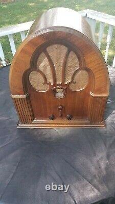 Antique Vintage Philco Model 70 Tube Radio