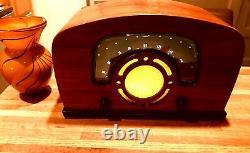 Antique Wood Radio Restored 1946 Zenith With BOSE Bluetooth speaker & Vase
