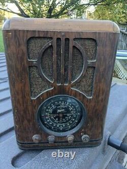 Antique Zenith Tombstone Wood Tube Radio Model 6-S-229 For parts/repair
