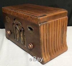 BEAUTIFUL 1933 ZENITH 705 Trapezoid Shaped Wood VACUUM Tube Radio