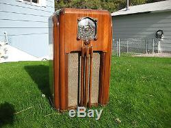 BEAUTIFUL WORKING 1937 ZENITH 8S-154 ANTIQUE CONSOLE TUBE RADIO TARGET TUNER