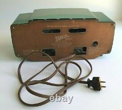 Beautiful RARE Vintage Gumby Green 1953 Zenith Model L520F AM Vacuum Tube Radio