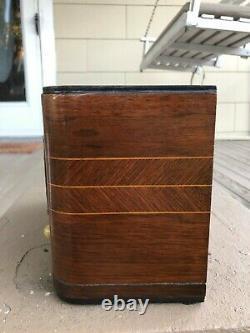 Beautiful Vintage Zenith Model 316 Radio Nice
