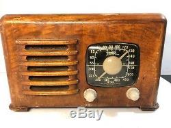 Beautiful Zenith Wood Table Tube Radio Parts or Repair