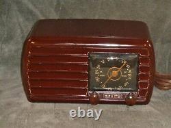 Fully restored vintage black dial 1940 Zenith 5D611 tube radio