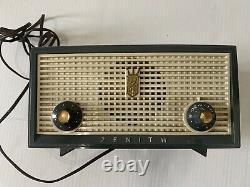 Gray Grey Zenith Model A508 B Vintage 1956 AM Radio