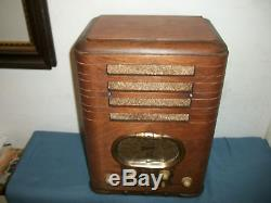 Nice 5S327 Zenith Wood Tombstone Gold Racetrack Dial BC/SW Radio 1938