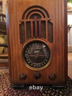Nice Vintage 1938 Zenith Tombstone Wood Tube Radio Model 5S228 Works