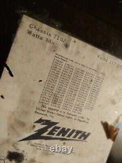 Nice Vintage 1950's Zenith H724z T724 Tube Bakelite Am Fm Radio Works