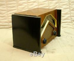 Old Antique Wood Zenith Vintage Tube Radio -Restored Working Art Deco Black Dial
