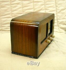 Old Antique Wood Zenith Vintage Tube Radio Restored Working Art Deco Table Top