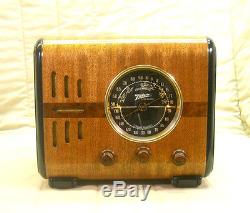 Old Antique Wood Zenith Vintage Tube Radio Restored & Working Black Dial Cube