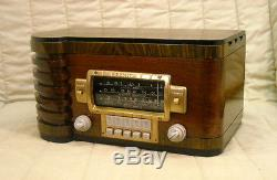Old Antique Wood Zenith Vintage Tube Radio Restored & Working with Black Dial