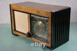 Old Zenith Black Dial Wood Tube Radio Nice