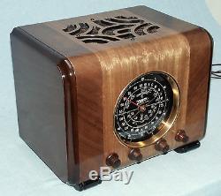 Old antique ZENITH wood tube radio. I-Pod compatible. Restored, WARRANTY