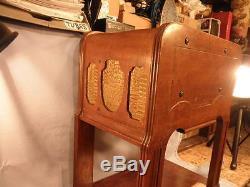 Petite and Rare Zenith 6D337 Chairside Radio -Original Finish-Repaired & Working