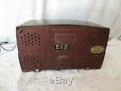 RARE ZENITH RADIO model 7H820UZ tube Vintage BAKELITE 1940's TESTED