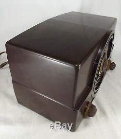 RARE ZENITH RADIO model 7H820UZ tube Vintage MARBLED BAKELITE 1940's TESTED
