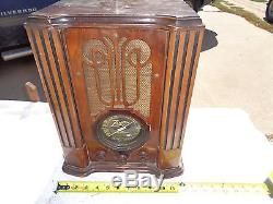 RARE vintage 1936 zenith table model 4v31 tombstone tube farm radio battery 6 v