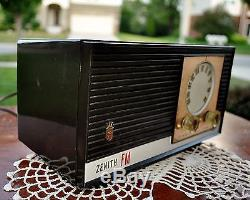 RESTORED Antique Zenith Vintage Old Tube Bakelite Jet Space Radio Works Perfect