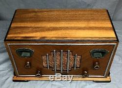 RESTORED beautiful, working 1935 Zenith ART deco #827 chrome vintage tube radio