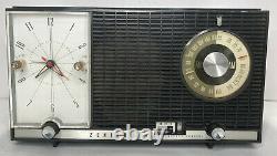 Rare Vintage Zenith Model J727 Tube Clock AM-FM Radio Retro Mid Century