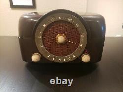 Rare Working 1951 Zenith Cobramatic Phonograph/Radio Tube Amp With White Handles