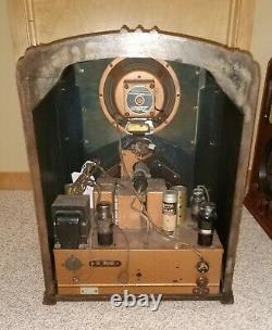 Rare Zenith 7S232 / 7-S-232 Walton Tombstone Radio